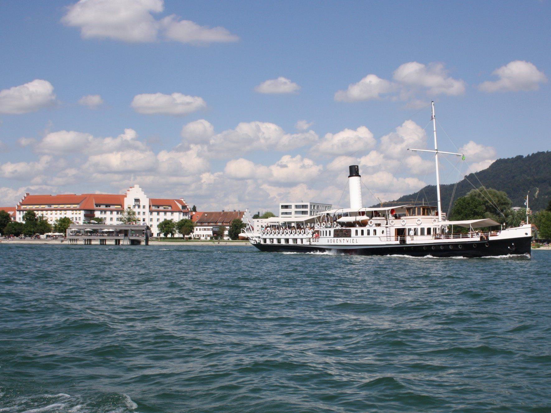 """Mit der """"Hohentwiel"""" ab Lochau Kaiserstrand eine Dixie-Musik-Rundfahrt auf dem Bodensee genießen."""