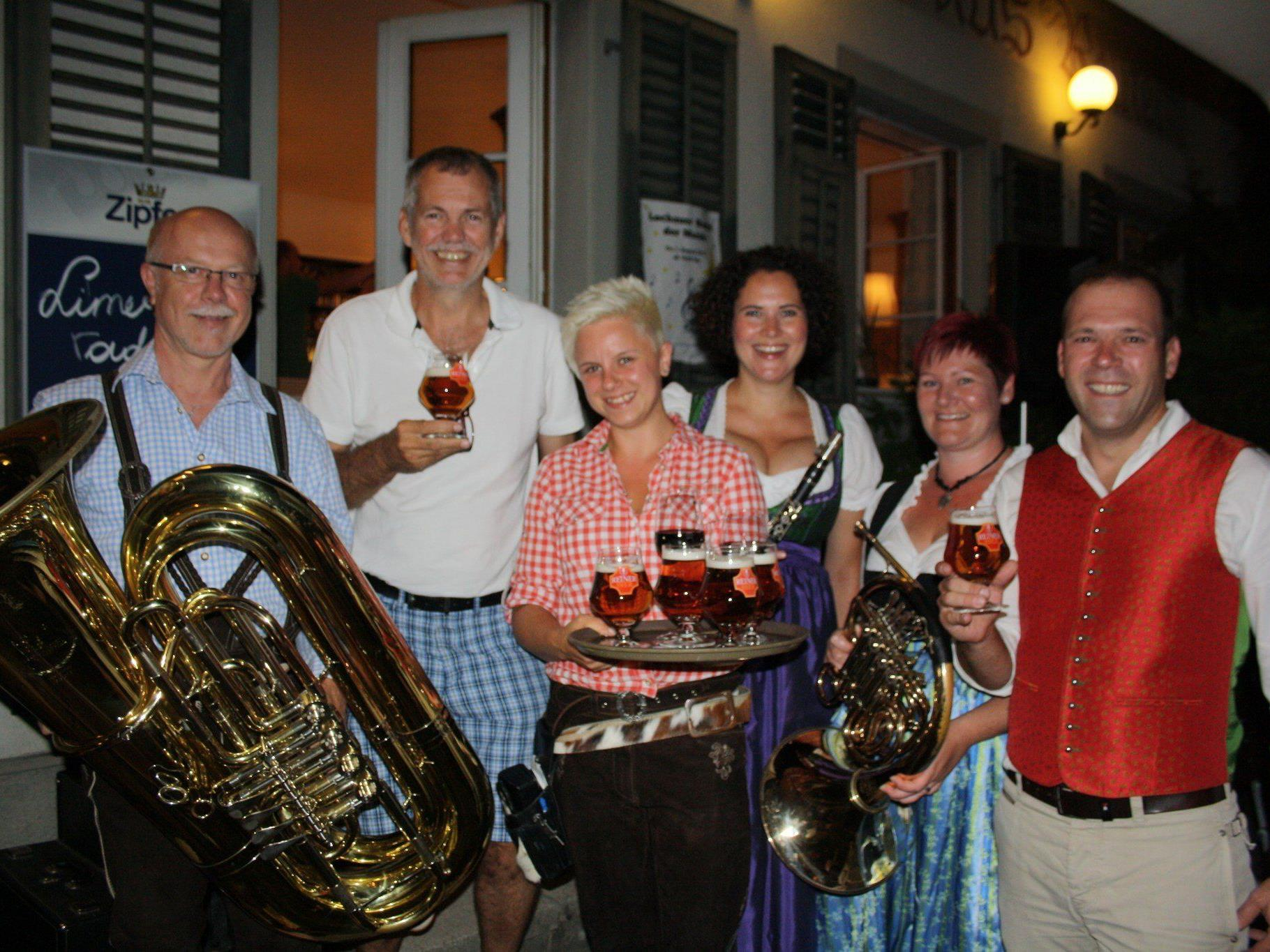 Festwirt Philipp Reiner und Organisator Robert Sturn vom Wirtschafts- und Tourismusausschuss der Gemeinde freuten sich über den großartigen Erfolg.
