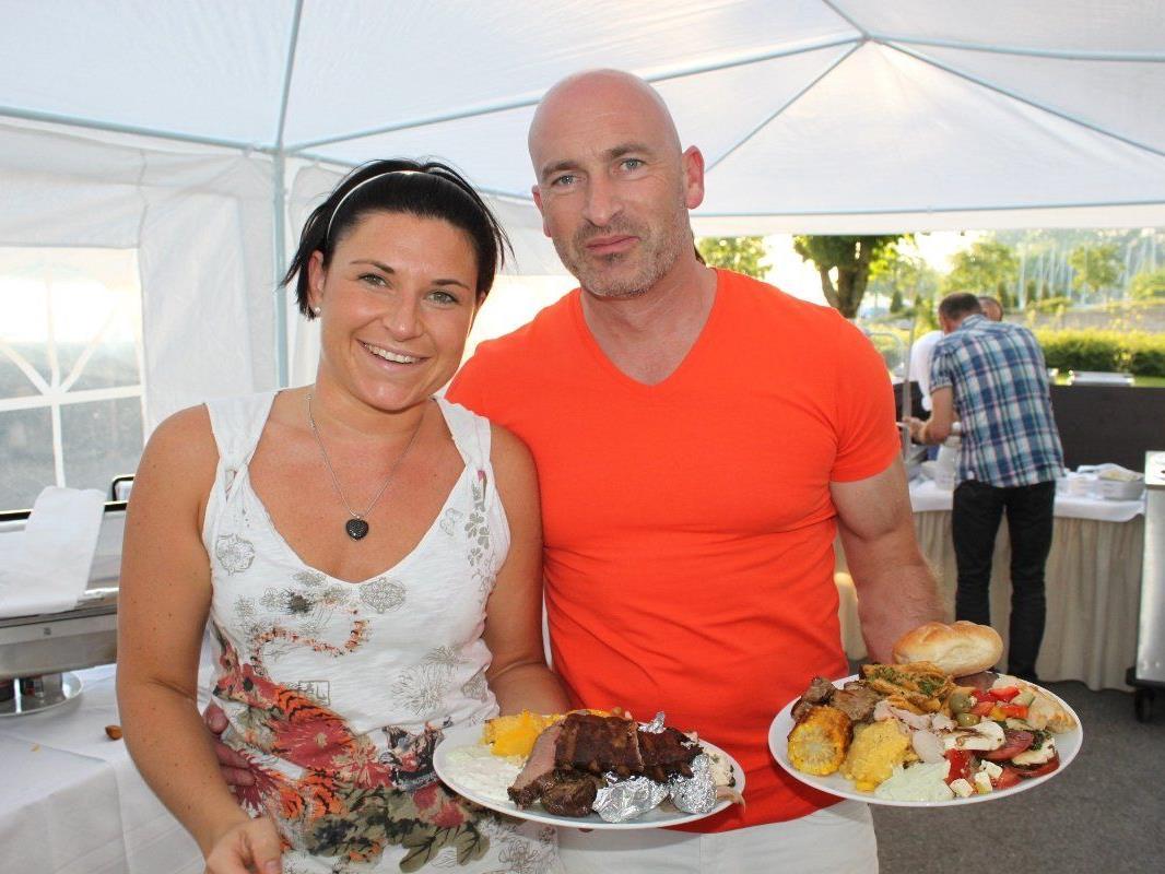 """""""Barbecue-Time"""" jeden Mittwoch im Seehotel Am Kaiserstrand im wunderbaren Ambiente am Lochauer Bodenseeufer."""