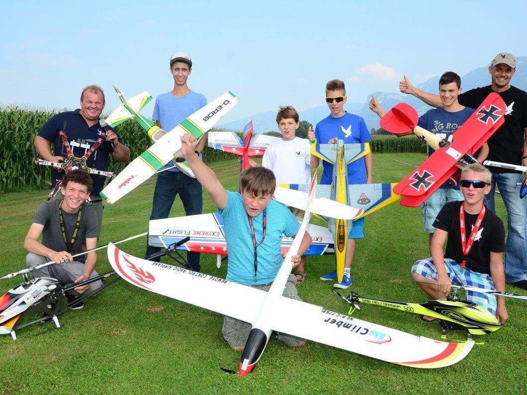 Der Modellflugnachwuchs freute sich über einen perfekten Jugendflugtag.