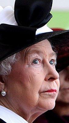 Immer perfekt frisiert dank Figaro Carmichael - die Queen