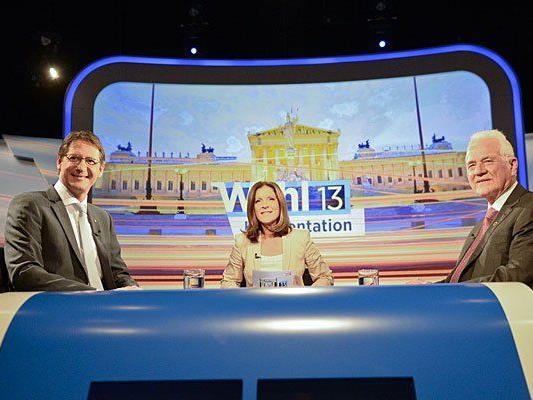 Team Stronach Spitzenkandidat Frank Stronach (r.), Moderatorin Ingrid Thurnher (m.) und BZÖ-Obmann Josef Bucher beim TV-Duell