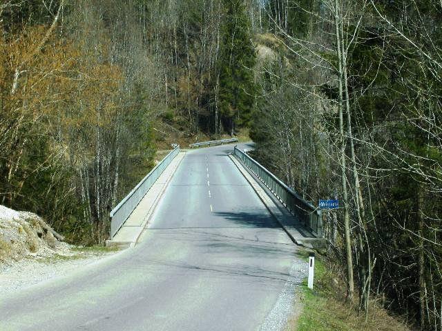 Die alte Brücke über das Brunsttobel muss ersetzt werden.