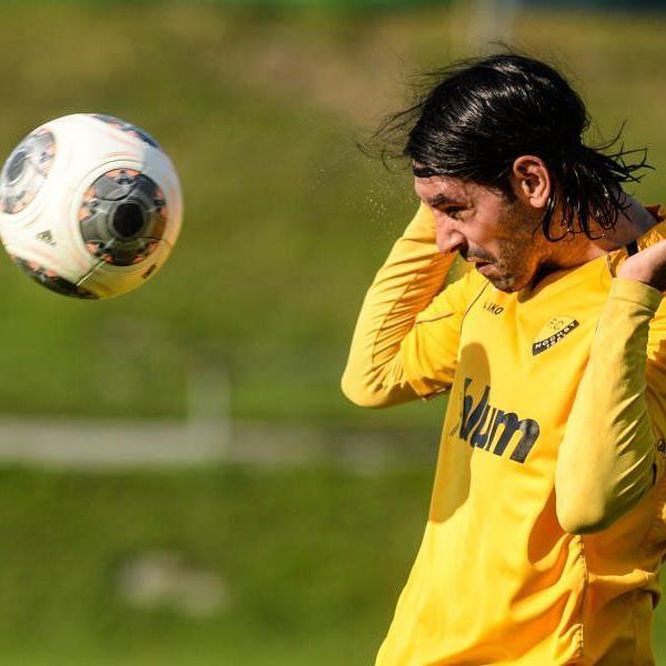 Höchst-Abwehrspieler Rifat Sen trifft auf seinen Exklub Hard und hofft auf einen Derbysieg.