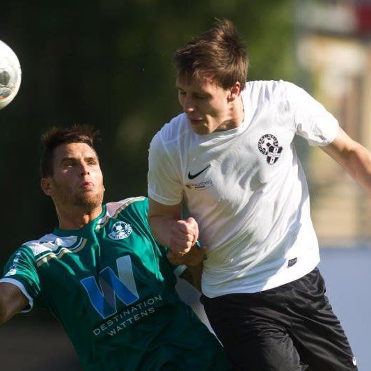 Linksfüßler Mathias Einsle ist wegen einer Knöchelverletzung für das Salzburg-Spiel noch fraglich.