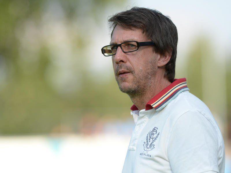 Höchst-Coach Dieter Alge feierte mit seiner Mannschaft im Derby gegen Hard einen 5:0-Heimsieg.
