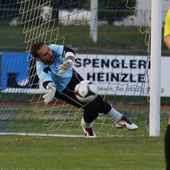 Der Sulzner Tormann war der Held der Partie, die Vorderländer stehen in der zweiten Hauptrunde.
