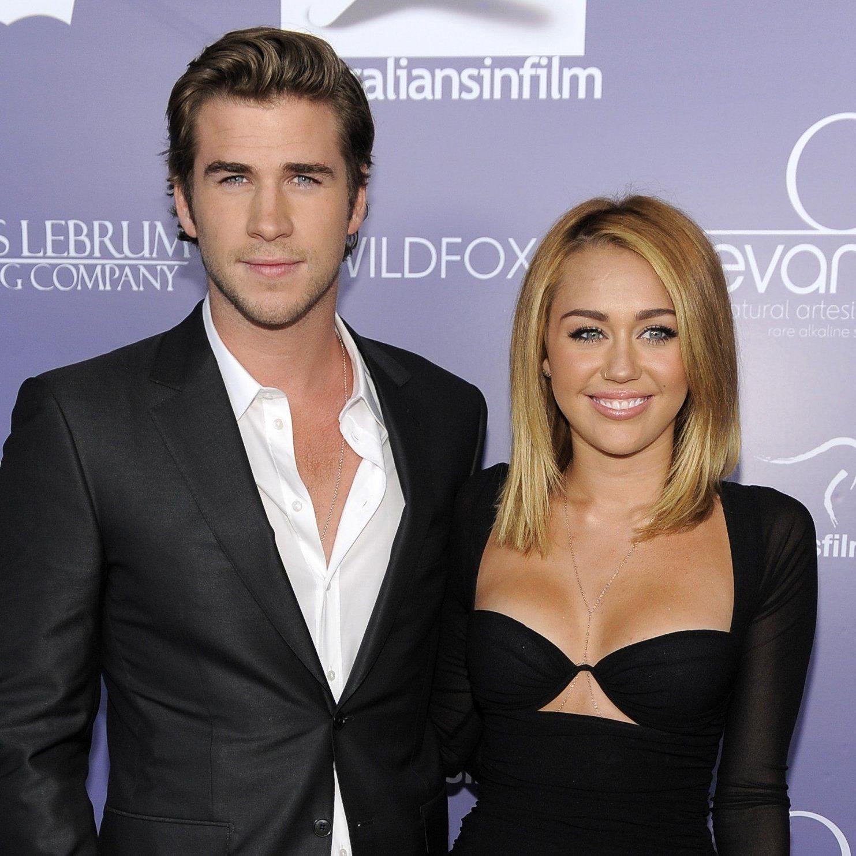 Die Gerüchte hielten sich hartnäckig, jetzt ist es offiziell - Miley Cyrus und Liam Hemsworth haben sich getrennt.