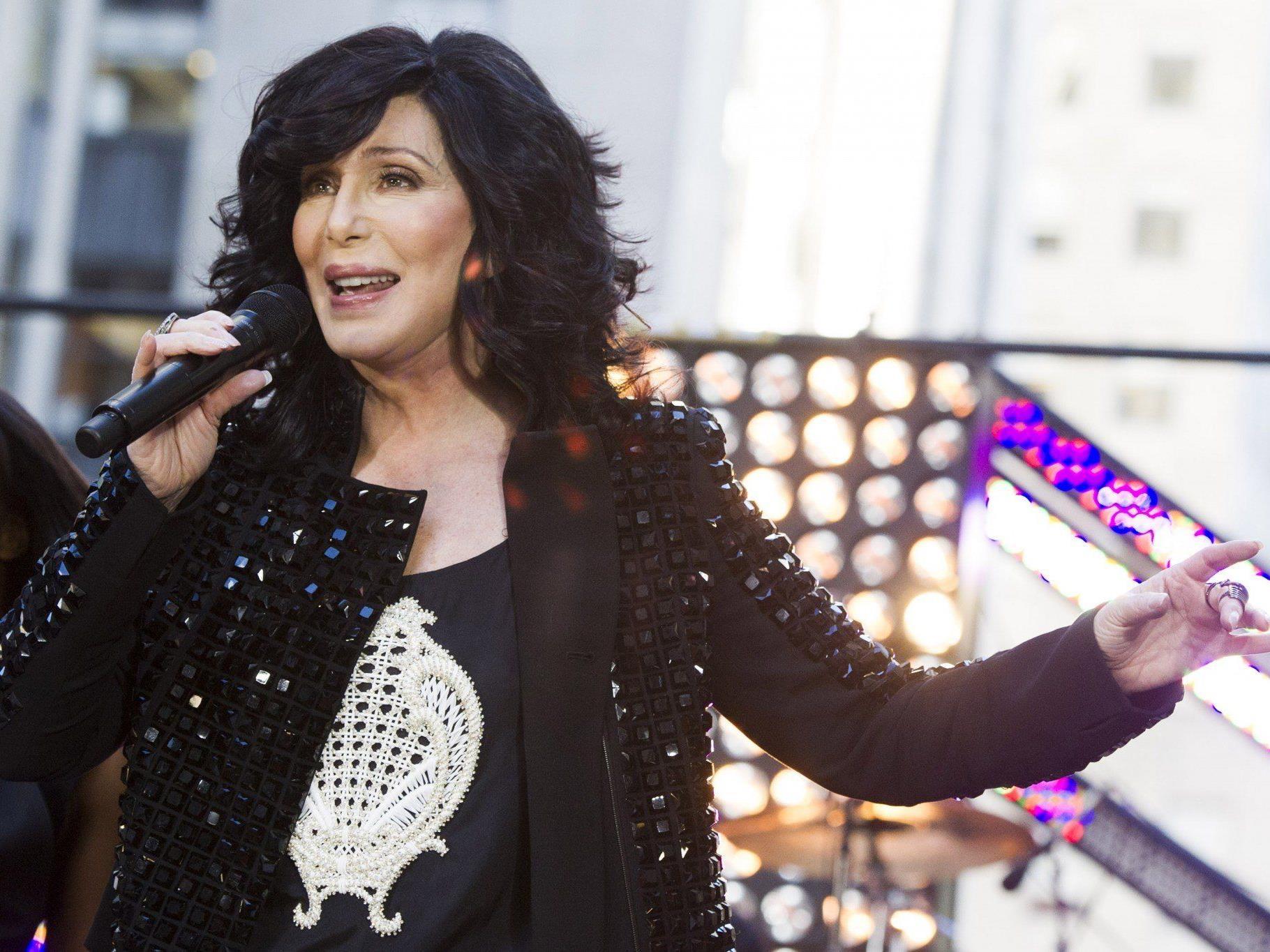 Cher meldet sich nach 12 Jahren mit einem neuen Album zurück.