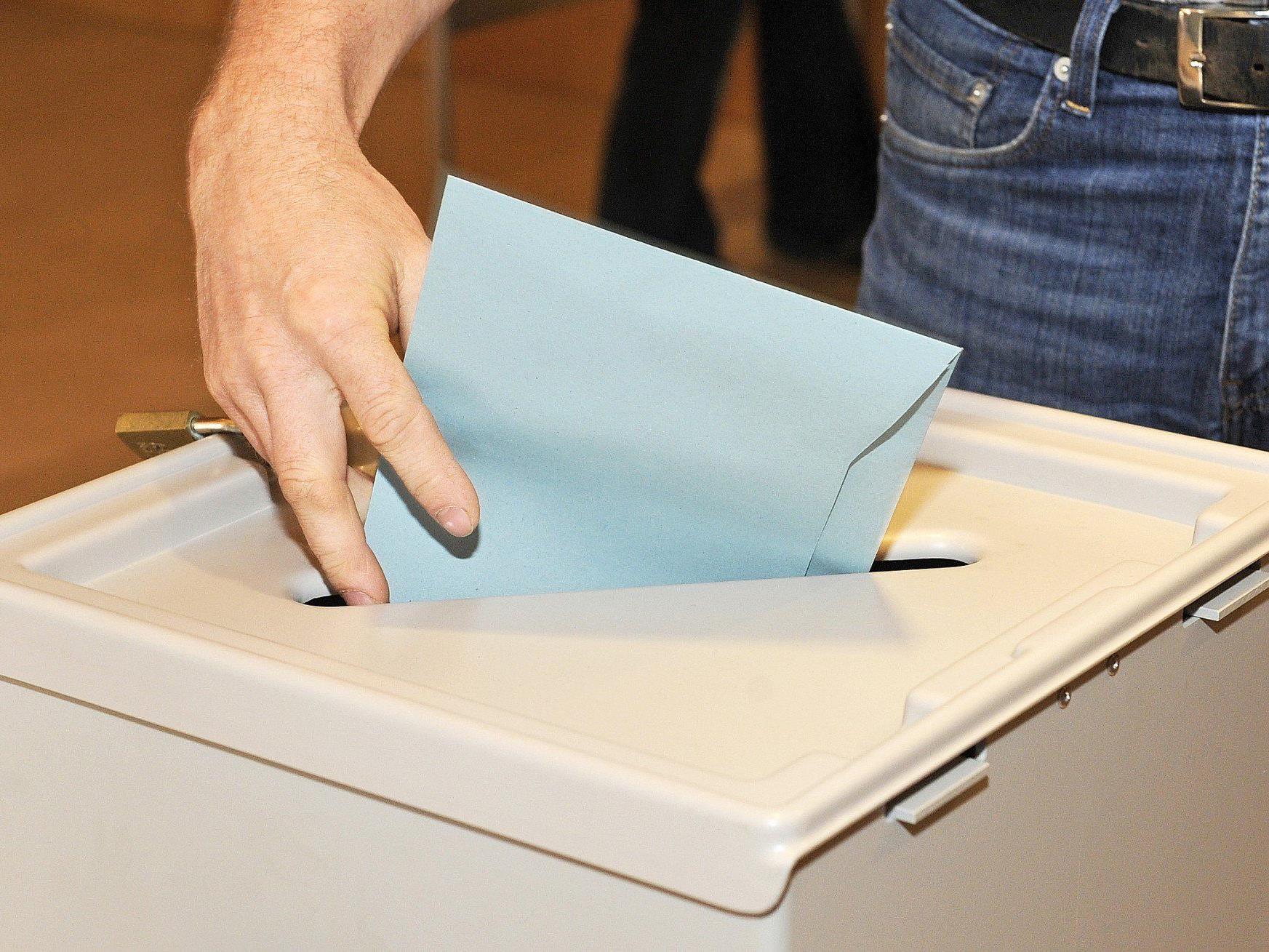Am Sonntag sind auch Jugendliche ab 16 zum Wählen aufgerufen.