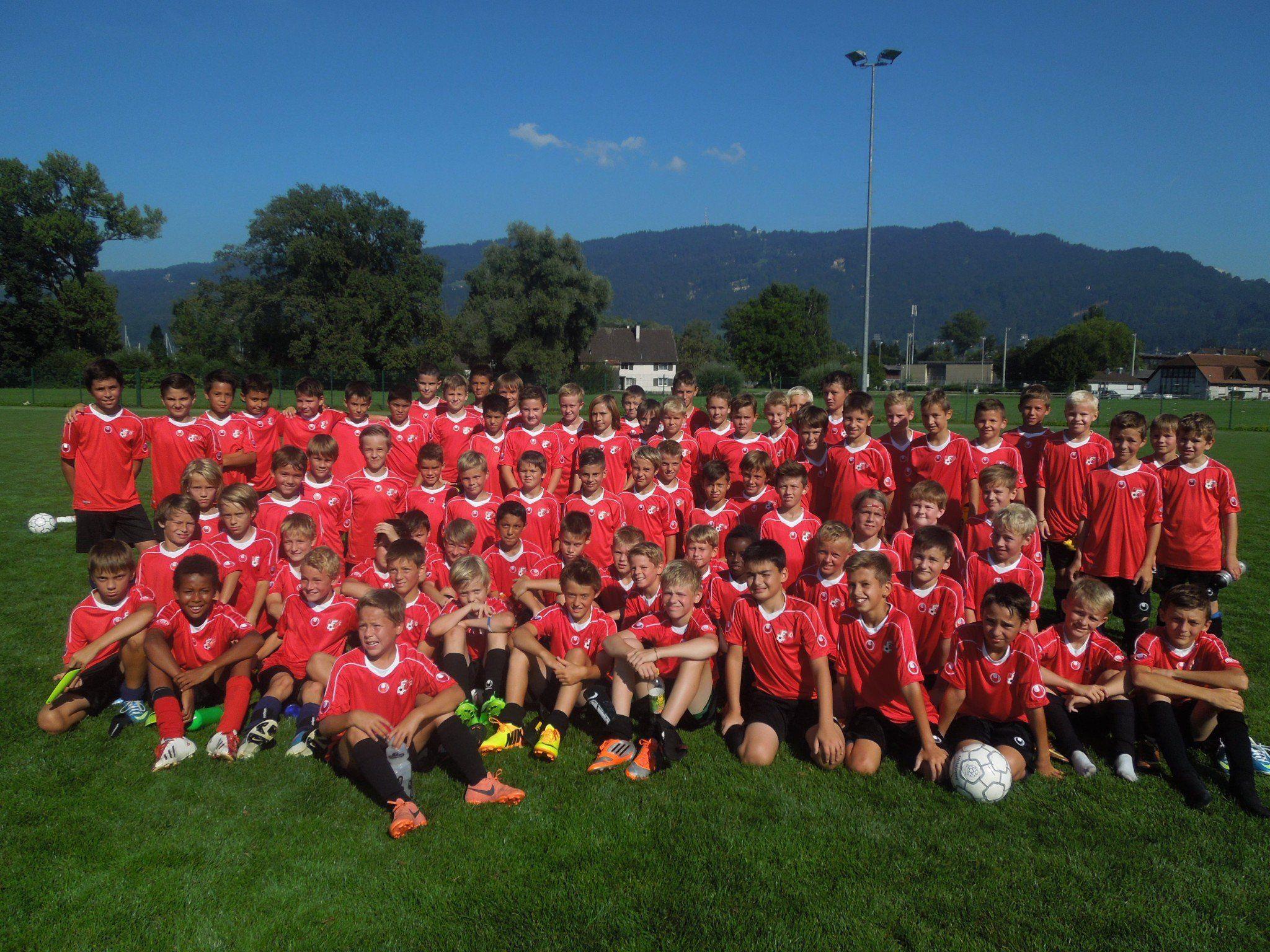 Rund 80 Spieler aus den LAZ Vorstufen zeigten beim VFV Nachwuchsturnier ihr Können.