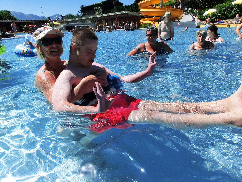 Den Sommer in vollen Zügen genießen: Das Schwimmbad in der Riebe machte es möglich.