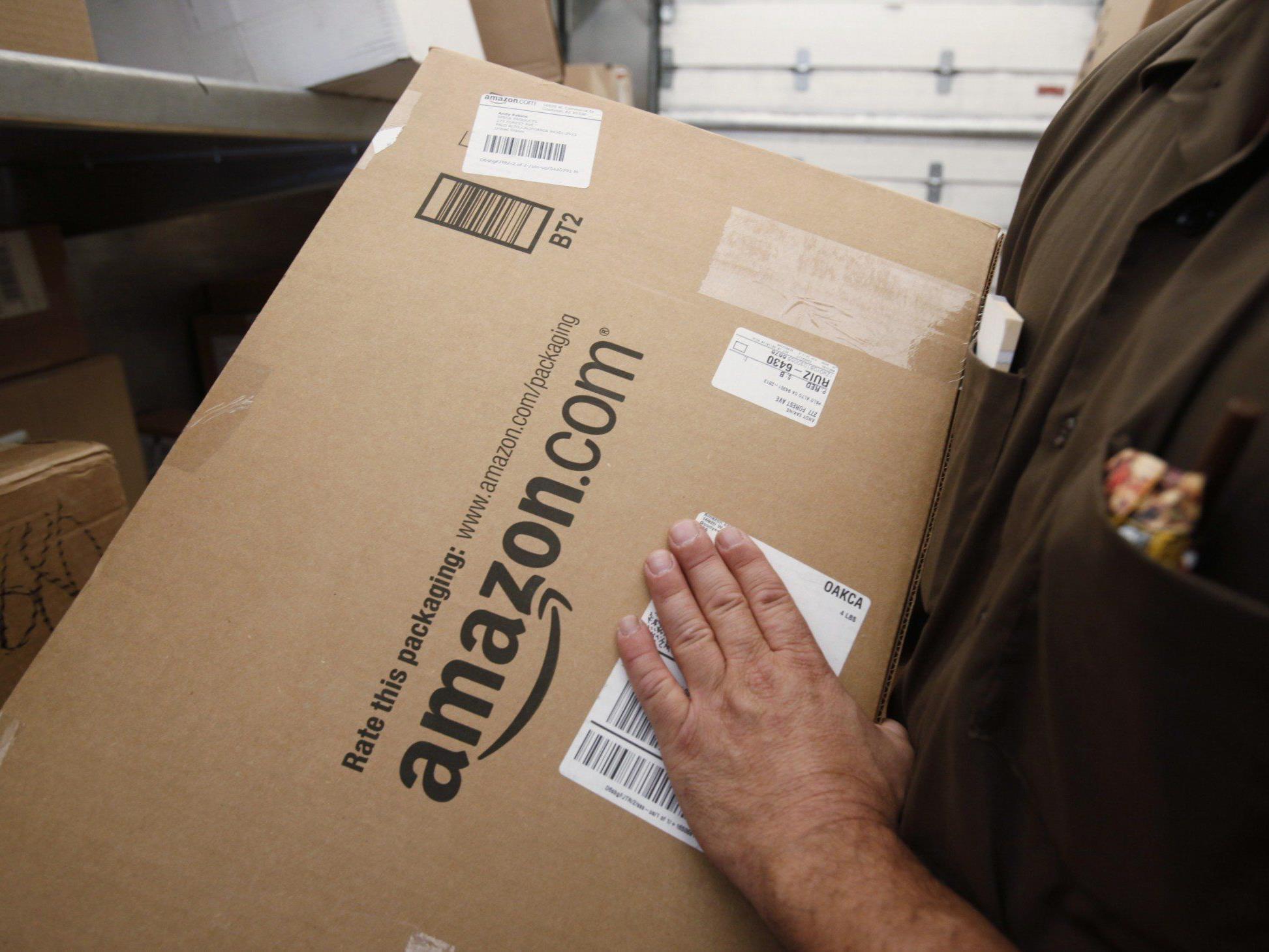 Kurz vor Beginn des Weihnachtsgeschäfts kommt es beim Versandriesen-Amazon streiken die Mitarbeiter erneut.
