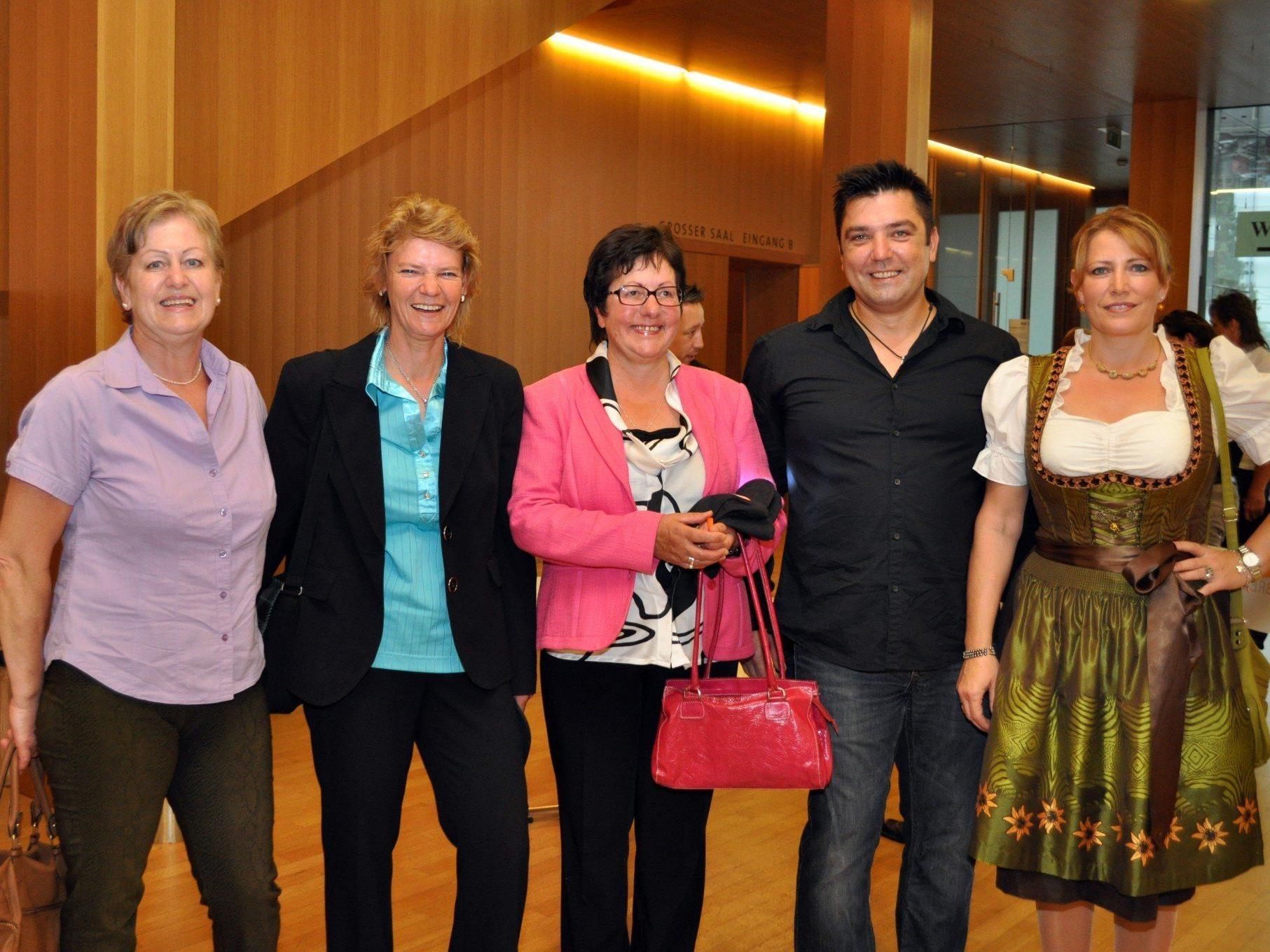 Die VN-Austräger genossen einen unterhaltsamen Abend in der Kulturbühne AMBACH in Götzis.