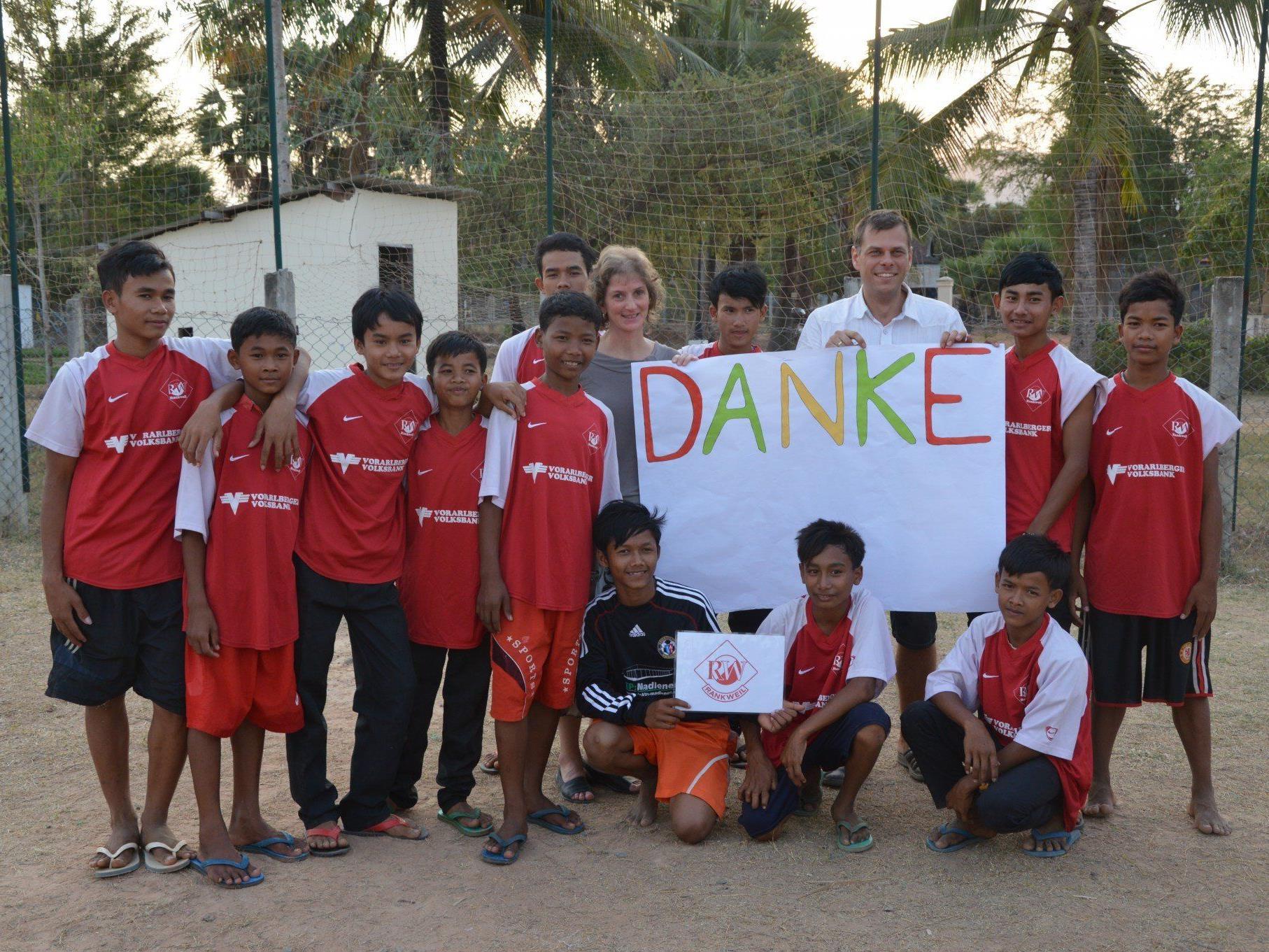 Der Tennisklub Rankweil und FC RW Rankweil unterstützten gemeinsam ein soziales Projekt.