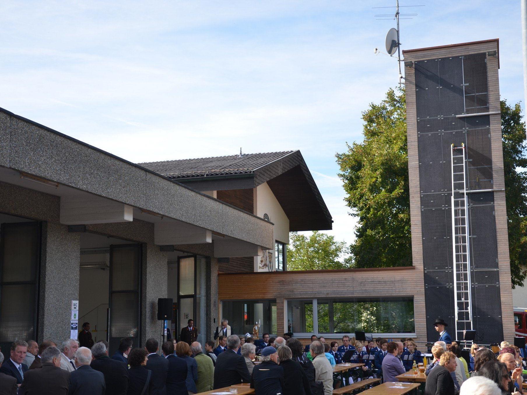 Feierliche Eröffnung und Segnung des neuen Feuerwehrhauses in Zwischenwasser.