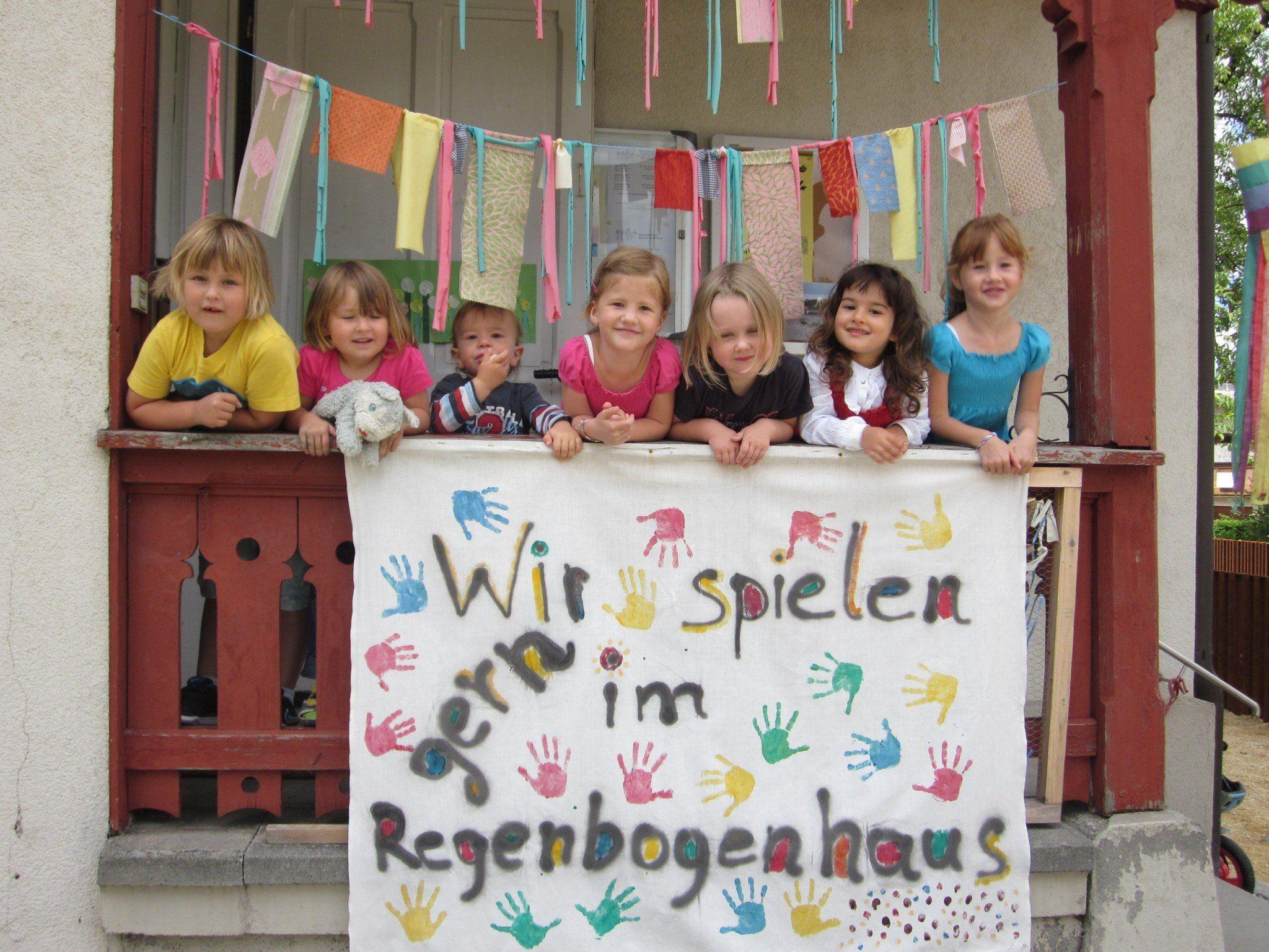 Kinder im Regenbogenhaus