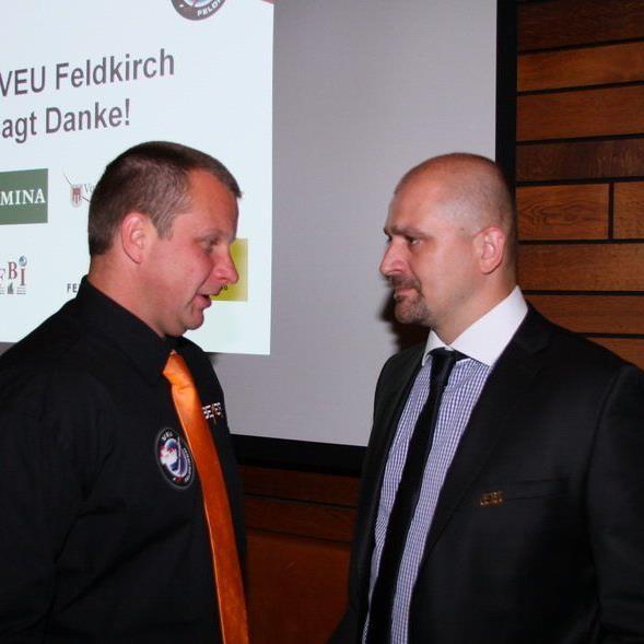 Viel Arbeit müssen VEU Geschäftsführer Michael Lampert und Coach Milos Holan derzeit verrichten.
