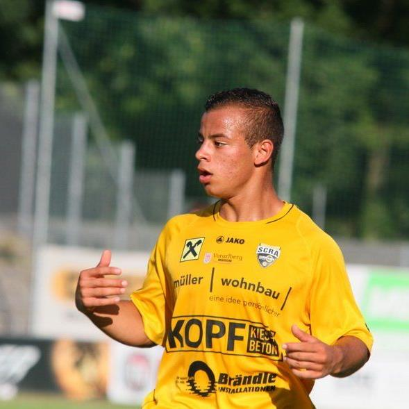 Jungprofi Felipe Dorta erzielte beim 3:1-Sieg in Neumarkt zwei Tore, die Fohlentruppe ist nun Dritter.