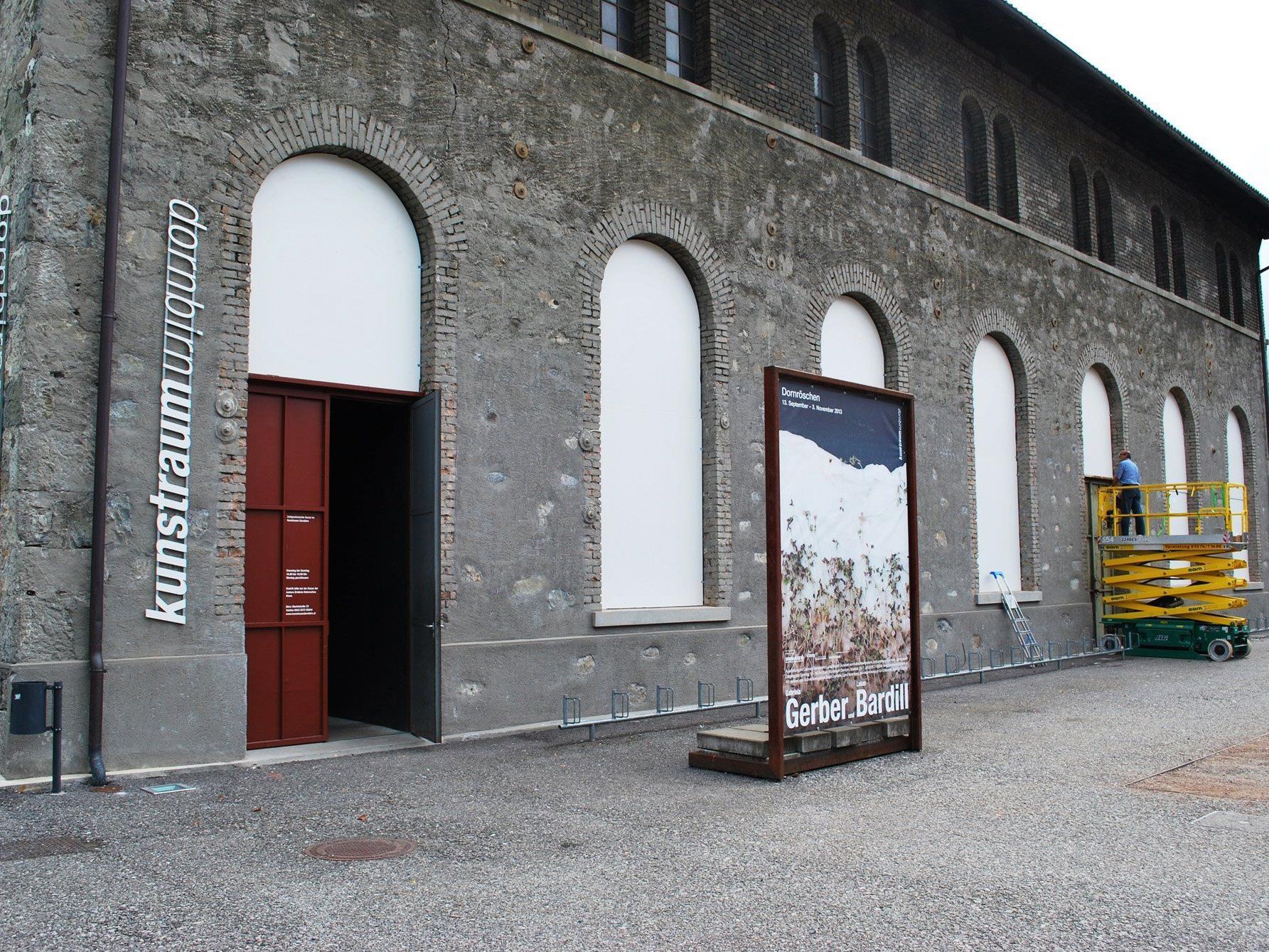 Kunstraum-Leiter Hans Dünser schafft auch diesmal bestmögliche Rahmenbedingungen für die neue Ausstellung