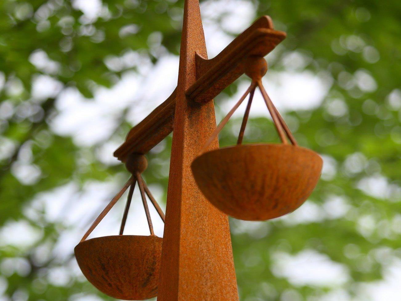 Vorwurf der Zuhälterei und des Prostitutionshandels: Freispruch.
