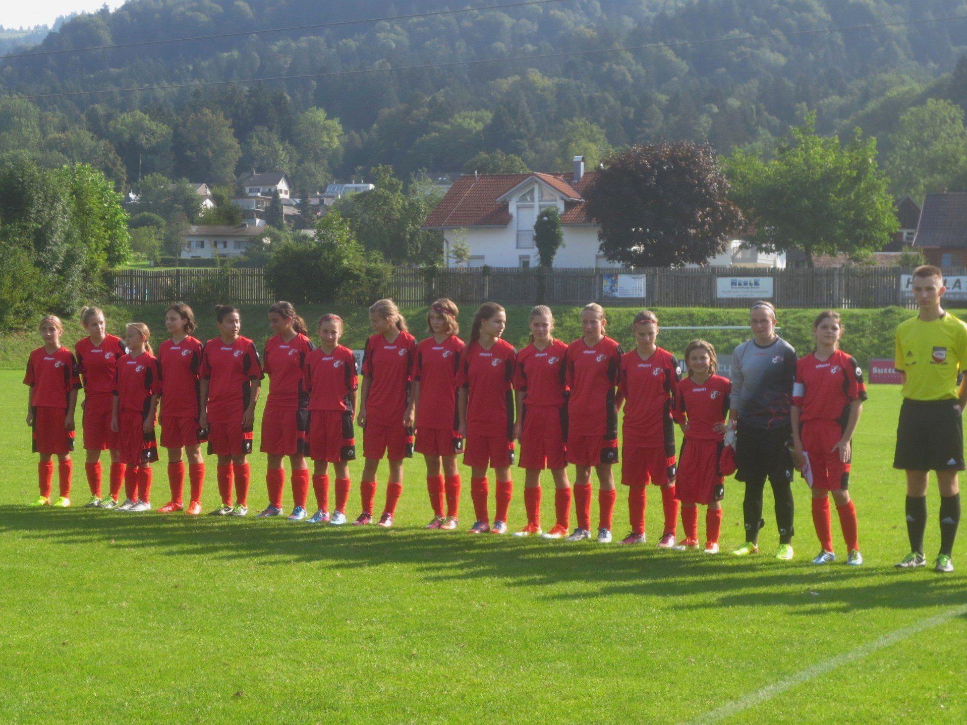 Vorarlbergs U-14-Mädchen-Auswahl spielte auf der Sportanlage Hoferfeld in Lochau gegen Burgenland.