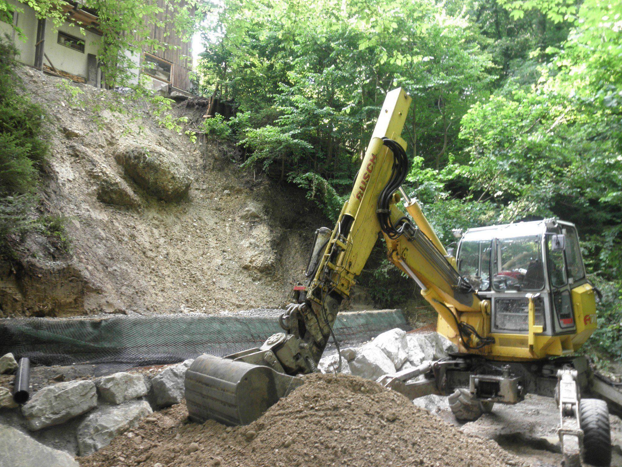 Eine massive Hangrutschung erforderte diese Sofortsanierung durch die Wildbach- und Lawinenverbauung Gebietsbauleitung Bregenz.