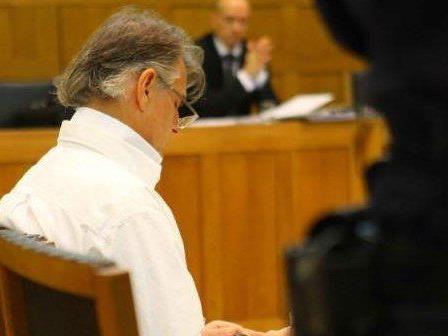 Helmut Josef K. sieht sich als Opfer der Justiz. Zum Prozess im Jahr 2009 erschien er ganz in Weiß, der Farbe der Unschuld.