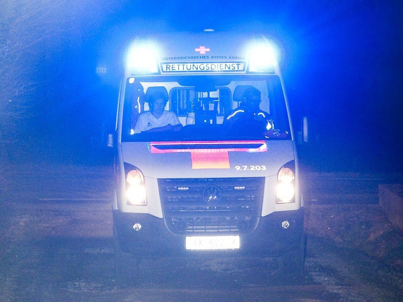 Tragischer Unfall in Doren - 15-Jährige stirbt nach Sturz durch offene Luke.