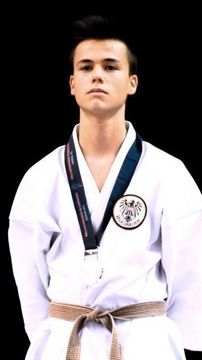 Der Höchster Alper Deger wurde bei den Shotokan Weltmeisterschaften in Liverpool Zweiter und holt Silber.