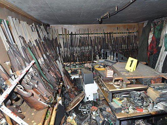 Dieses riesige Waffenarsenal fand die Polizei im Anwesen von Alois H.