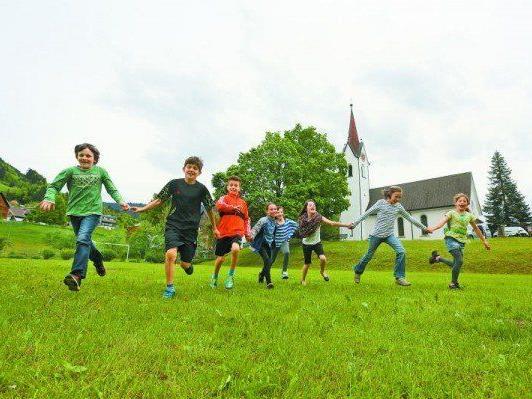 Die Gemeindevertretung beschloss den Erhalt des Dafinser Sportplatzes als Generationenplatz.