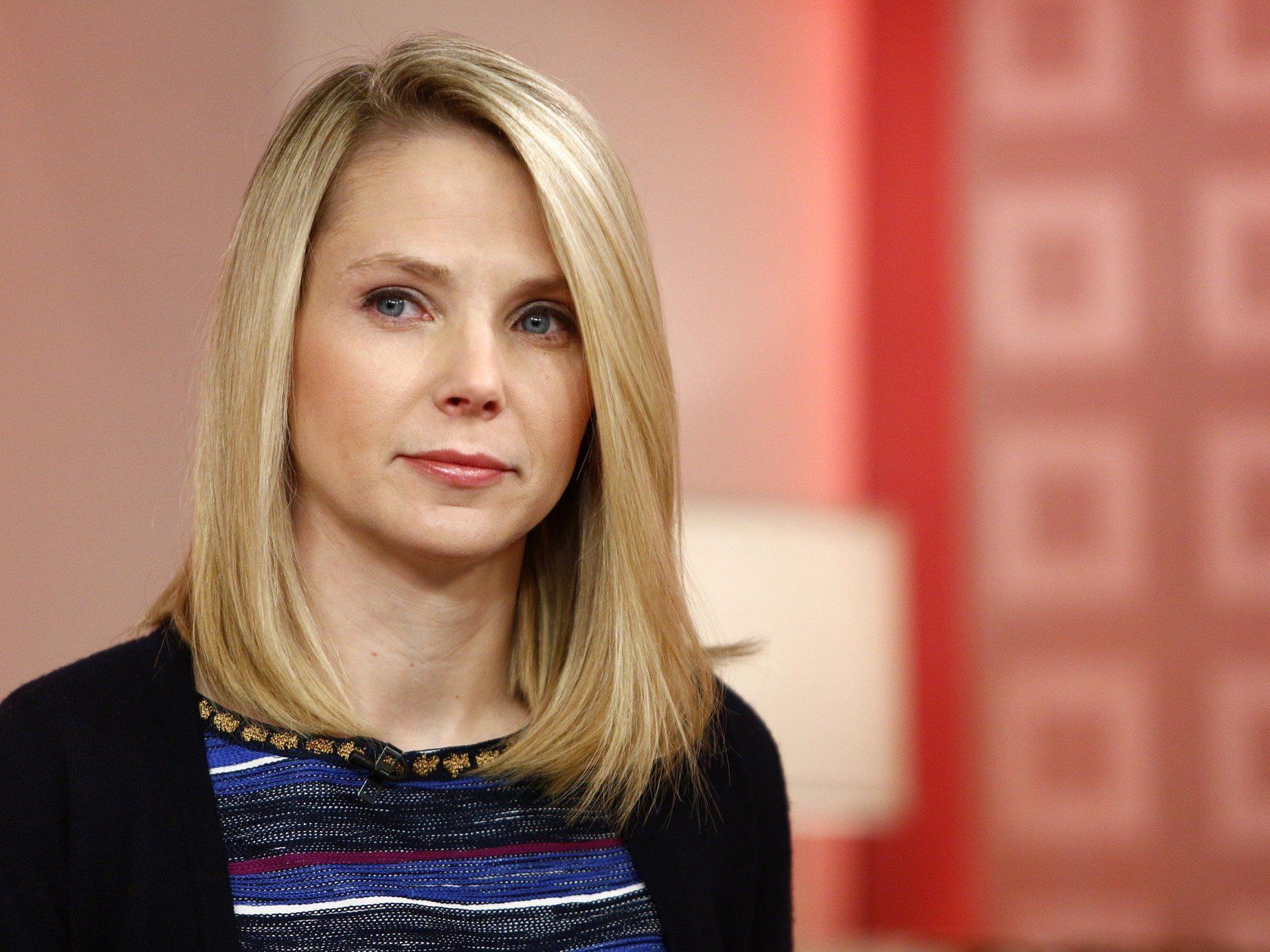 Die Yahoo-Chefin Marissa Mayer hat Angst vor dem Gefängnis, das ihr droht, falls sie nicht mit dem Geheimdienst kooperiert.