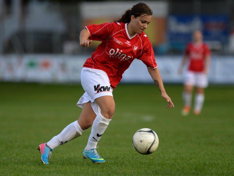 Rankweil-Kickerin Julia Schnetzer träumt vom Einzug ins Viertelfinale.