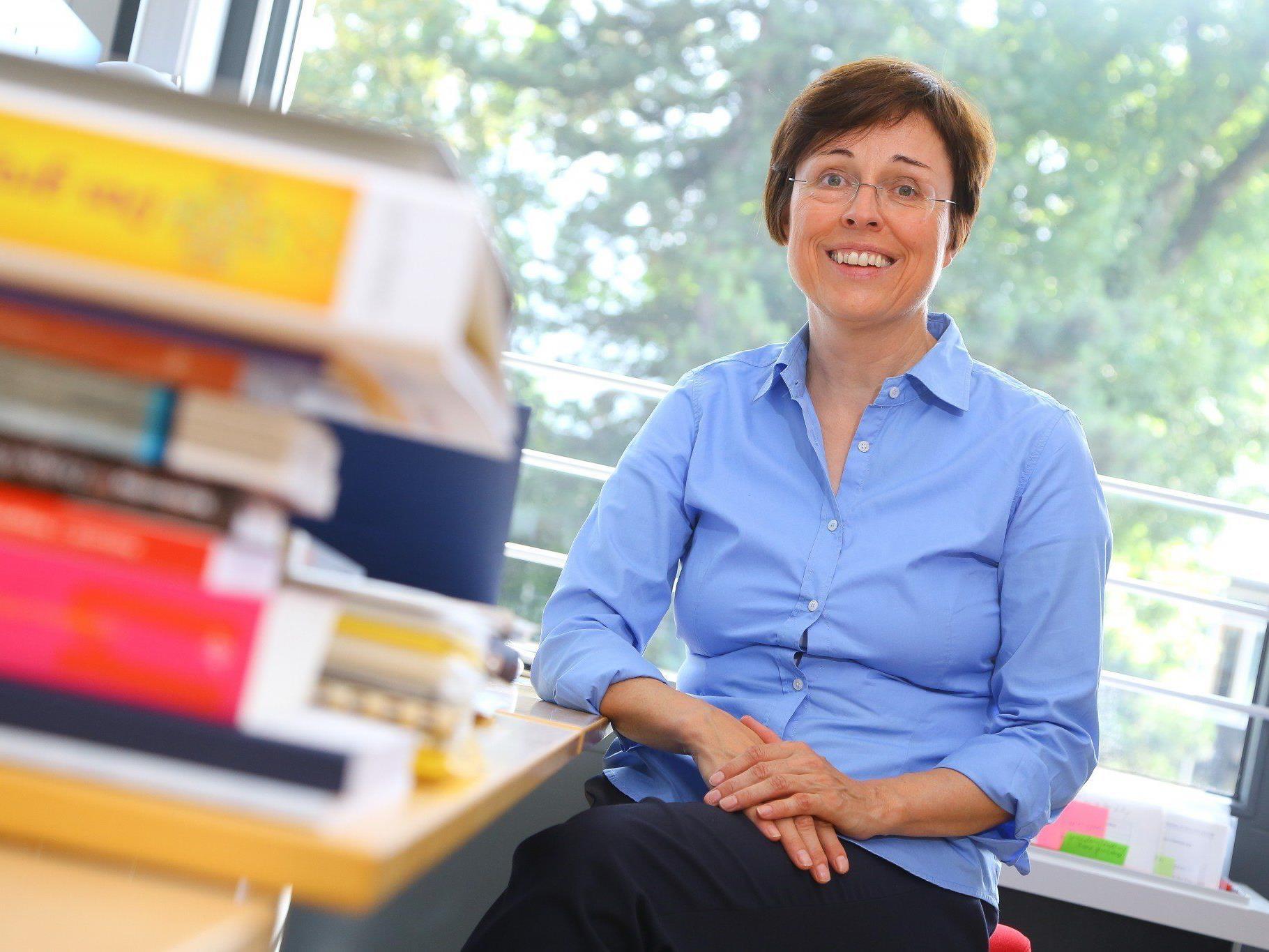 Engagiert leitet Eva Grabherr Integrationsprozesse an. Nun wird sie mit dem Toni-Russ-Preis ausgezeichnet.