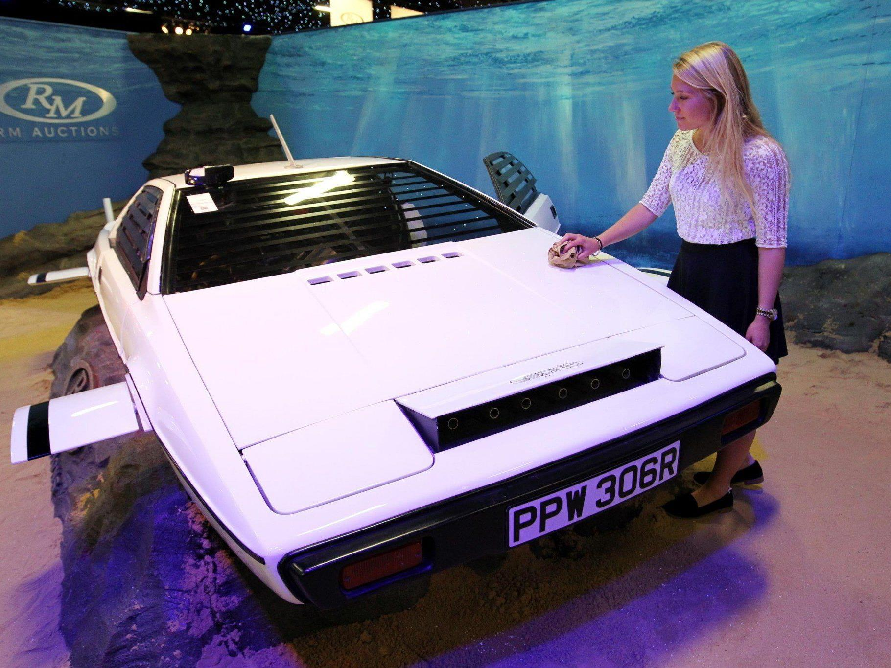 Bieterkampf um Bond-Lotus Esprit: Telefonbieter erhielt Zuschlag.
