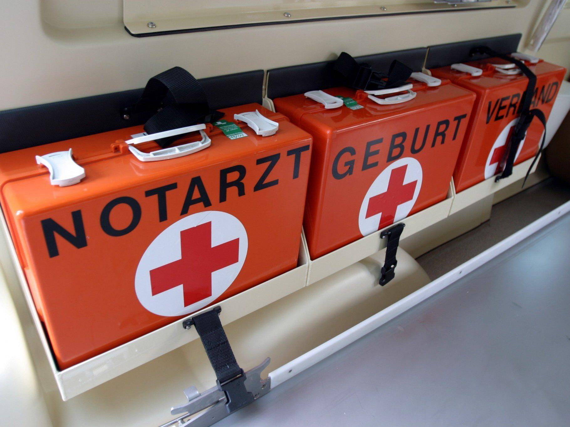 Der Verletzte wurde mit dem Notarzthubschrauber ins LKH Feldkirch geflogen.
