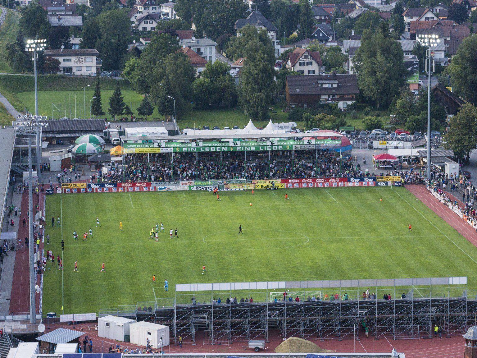 Das Reichsshofstadion in Lustenau hat Sanierungsbedarf und steht damit nicht allein da.