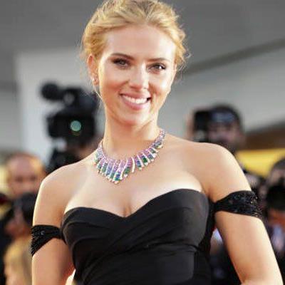 Scarlett Johansson traut sich wieder.