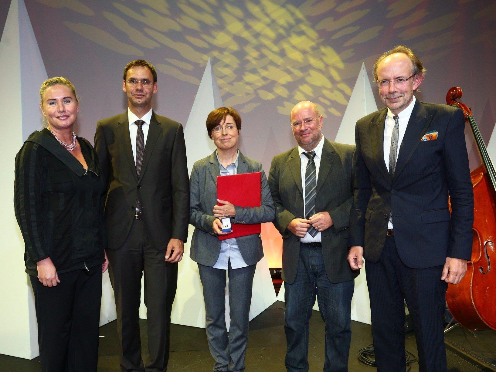 Dr. Eva Grabherr wurde mit dem 44. Toni-Russ-Preis ausgezeichnet.