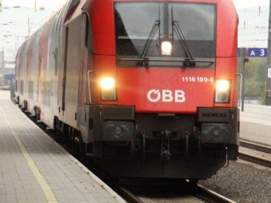 Mann stürzte und wurde von Zug mitgeschleift.