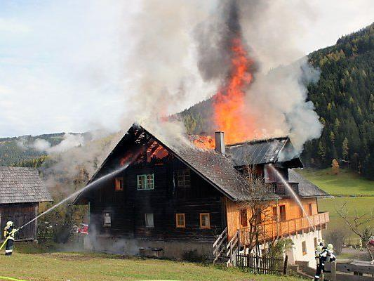 Altes Haus stand in Vollbrand