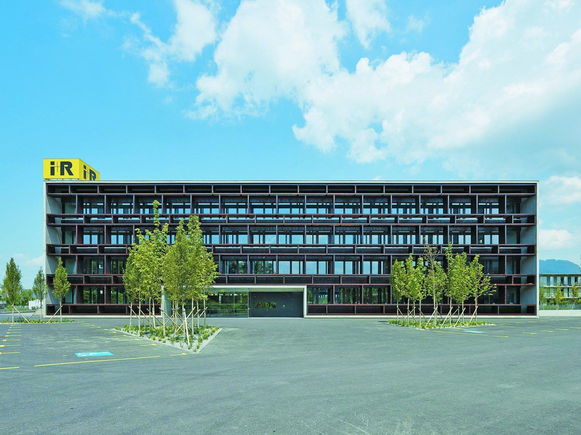 In Lauterach steht das erste LEED-Platin ausgezeichnete Bürogebäude Österreichs.