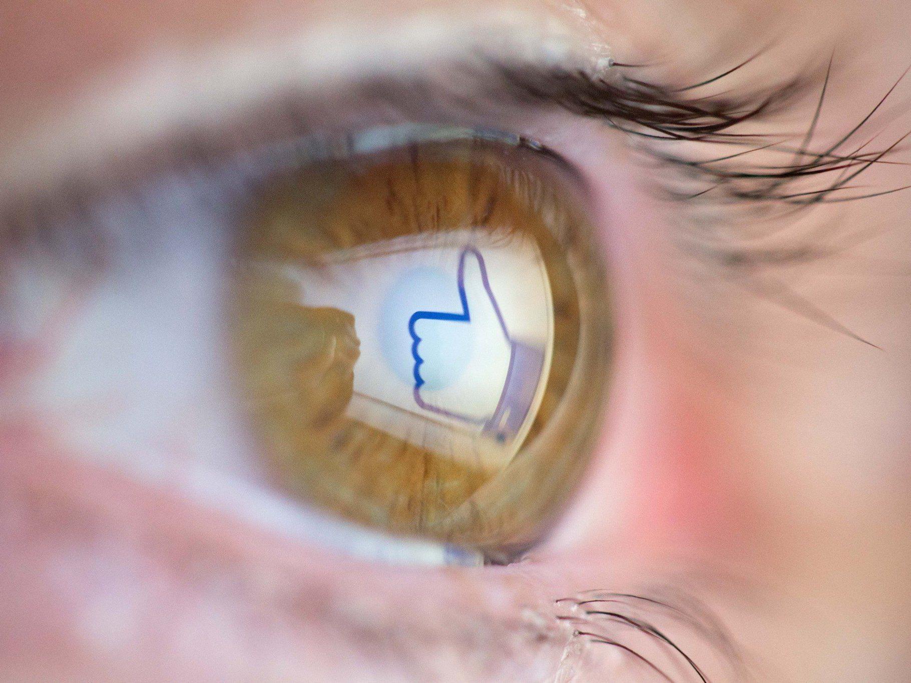Facebook: Gewaltvideos sollen genauer unter die Lupe genommen werden.