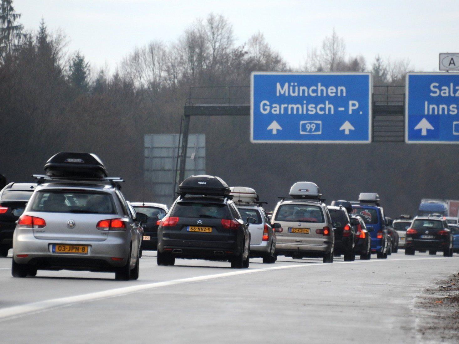 Auf der Inntalautobahn fuhr ein Autofahrer 66 km/h zu schnell.