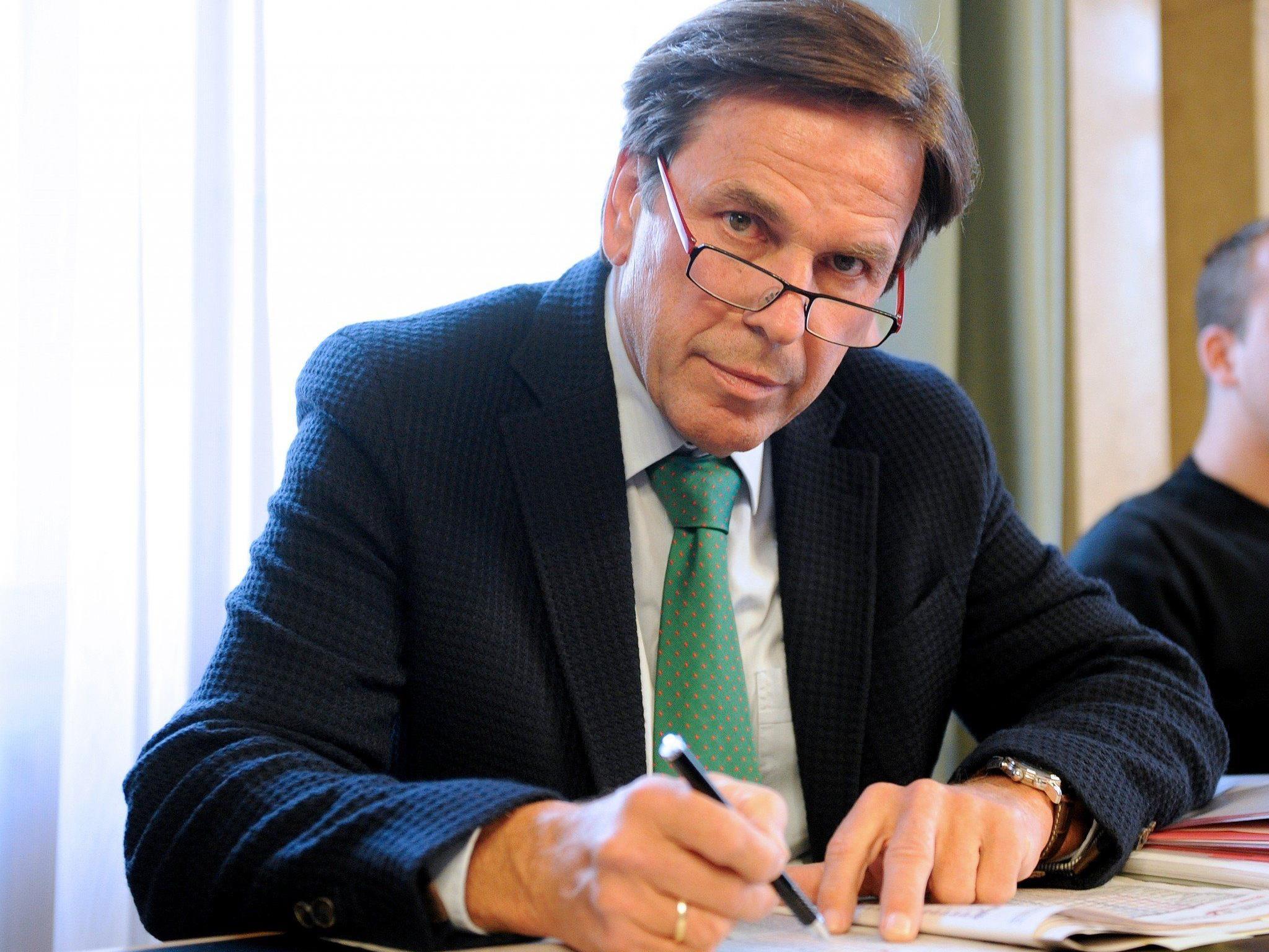 """Steirischer Landeshauptmann Franz Voves warnt ÖVP vor """"Pokerritual"""""""
