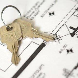 Vor allem private Interessenten sind beim Thema Wohnungskauf besorgt.