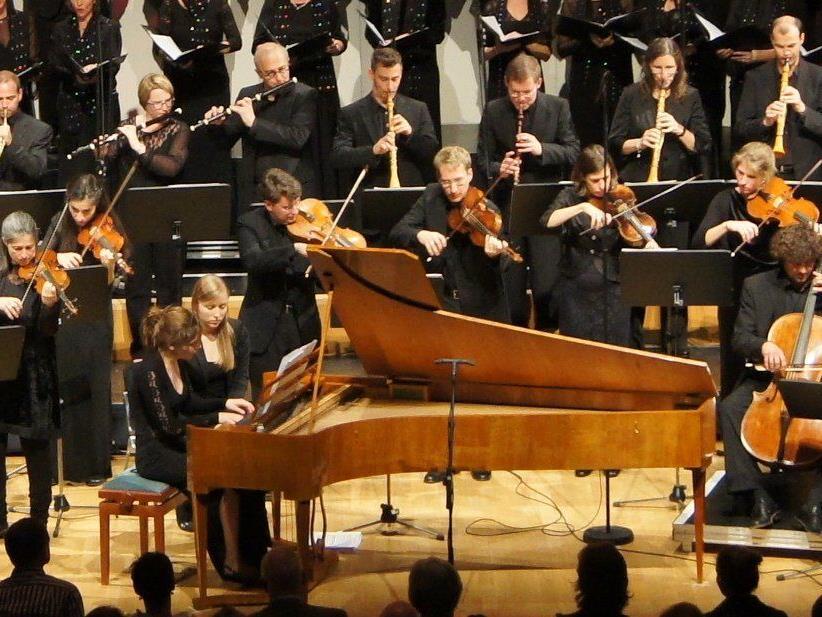 "Petra Somlai am Hammerklavier bei Beethovens ""Chorfantasie""."