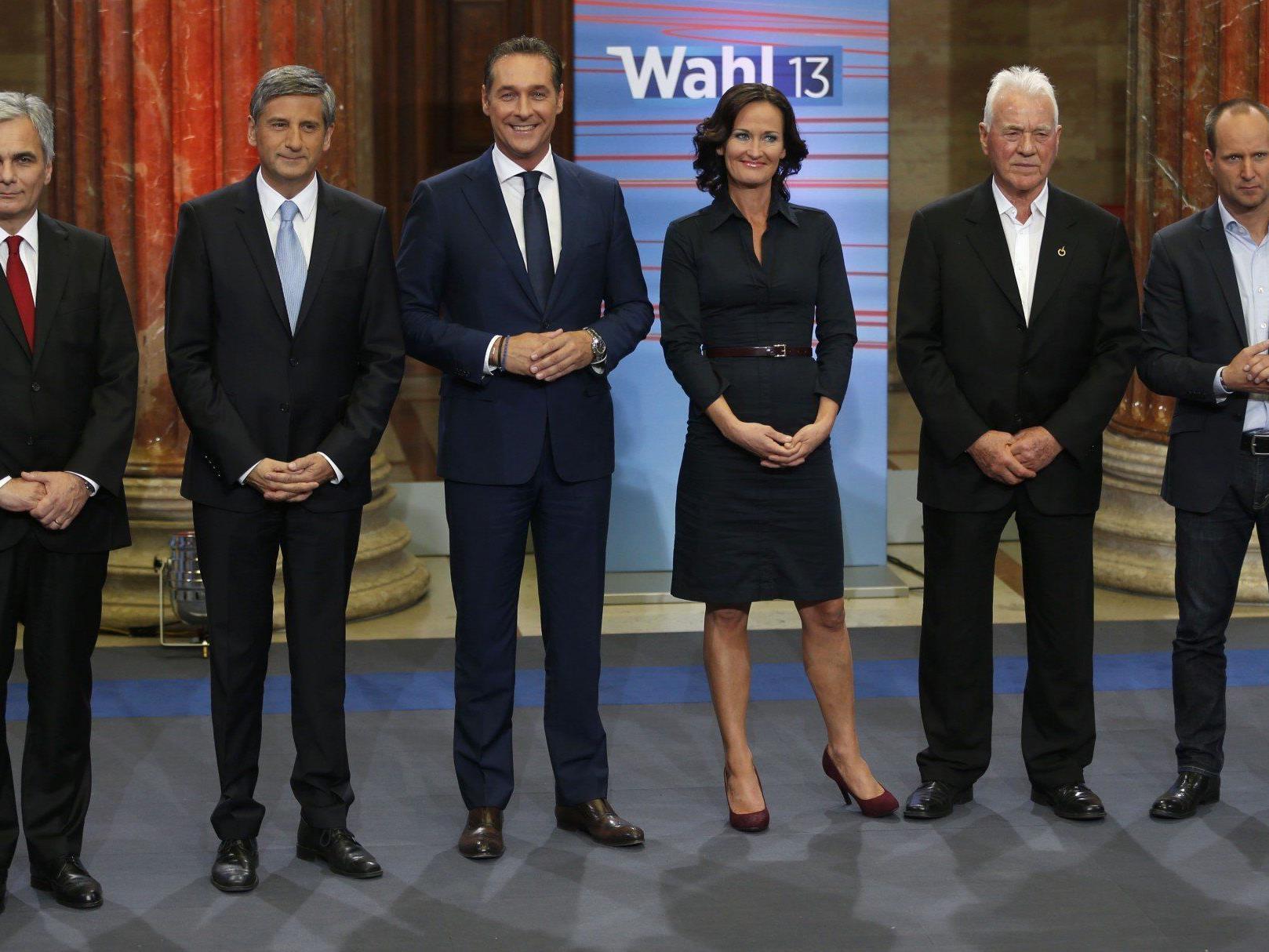 Die Chefs der Parlamentsparteien (v. l.): Faymann (SPÖ), Spindelegger (ÖVP), Strache (FPÖ), Glawischnig (Grüne), Stronach, Strolz (NEOS).