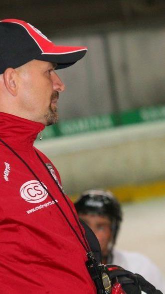 VEU Feldkirch Coach Milos Holan trifft mit seiner Truppe am Sonntag zuhause auf den Meister.
